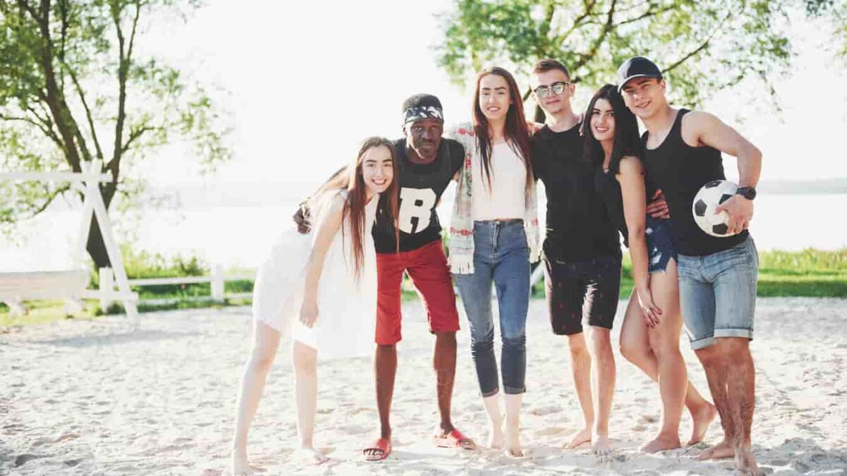 Planning First Trip With College Friends? Check These 7 Tips!